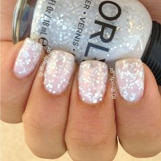 Gorgeous sparkly nails