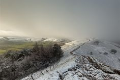 Impending Storm, Peak District, UK by Andrew Nixon  Taken in the Derbyshire area, Peak District, England at Back Tor towards Mam Tor. A snow storm started to move towards my location. Whilst I never shy ...  http://lp-mag.com/sxvt