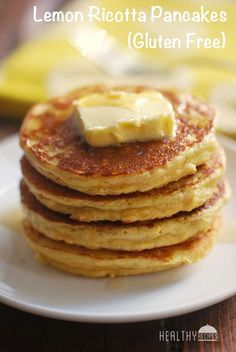 Delicious and fluffy gluten free lemon ricotta pancakes are made with coconut flour and pleasantly flavored with vanilla and lemon. Lemon Ricotta Pancakes, Coconut Flour Pancakes, Low Carb Pancakes, Gluten Free Pancakes, Gluten Free Breakfasts, Low Carb Breakfast, Dessert Sans Gluten, Gluten Free Desserts, Gluten Free Recipes