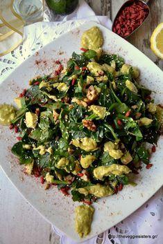 """Με αυτή τη σαλάτα αναδειχθήκαμε νικήτριες (στην κατηγορία σαλάτες) στον διαγωνισμό των Friday's """"Living well"""" τον Νοέμβρη του 13. Απολαύστε ίσως την πιο ωραία μας σαλάτα, πράσινη, με κρέμα αβοκάντο, καρύδια κ goji berries! Απόλαυση στο μάξιμουμ! This is our award winner green salad with avocado sauce, walnuts and goji berries. One of our best salads ever!"""
