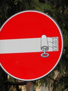Avrupa Sokaklarında Trafik İşaretleri Sanatı #street-art