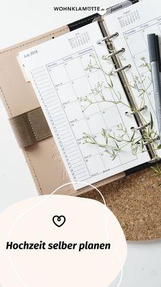 Für eine einmalige Traumhochzeit braucht es die perfekte Planung. Wir haben eine Hochzeitscheckliste für Dich, mit deren Hilfe Du alle Deine Hochzeit selber planen kannst, sowie inspirierende Ideen und Tipps von einem Hochzeitsprofi findest. Tuesday Wednesday, Perfect Wedding, Invitation Cards, Celebration, Invitations, Tips, Gifts