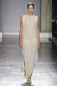 Les Copains Spring 2019 Ready-to-Wear Fashion Show Collection: See the complete . Les Copains Spring 2019 Ready-to-Wear Fashion Show Collection: See the complete Les Copains Spring 2019 Ready-to-Wear co. Only Fashion, High Fashion, Cheap Fashion, Fashion Women, Runway Fashion, Fashion Outfits, Fashion Trends, Fashion Figures, Fashion Images
