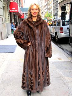 Pre-Owned Demi Buff Mink Coat w/ Ridges (size: 16 – 20 / XXL)