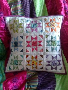 Pink Pincushion: A Good Start Begins. With A Finish! Shine mini quilt on etsy by Sherri Star Quilts, Mini Quilts, Quilt Blocks, Star Blocks, Quilting Projects, Quilting Designs, Sewing Projects, Patchwork Cushion, Quilted Pillow