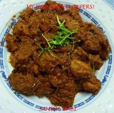 Sambal Babi Nyonya (Nyonya Spiced Pork) Recipes: The Complete Asian Cookbook by Charmaine Solomon http://asiancook.eu/indonesian/sambalans/645-sambal-babi-spicy-pork-cooked-in-coconut-milk