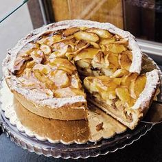 Ouderwets lekkere appeltaart - Recept - Allerhande (Something like Holkamp-that everyone raves about-with amandelspijs crumbled over bottom) Apple Desserts, Apple Recipes, Baking Recipes, Cake Recipes, Cupcakes, Cake Cookies, Dutch Recipes, Sweet Recipes, Homemade Biscuits From Scratch