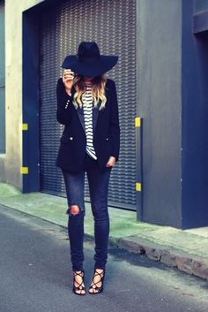 Navy wide brimmed fedora. (make this!)