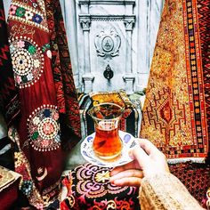Turkish tea in Kapali Carsi or The Grand Bazaar as we know it is a must . #istanbul #turkey #turkishtea #kapalicarsi #travelblogger…