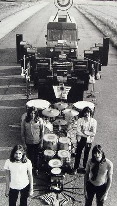 Pink Floyd showing their equipment [1969]