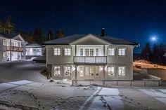 Klassisk enebolig i Rælingen, Norge