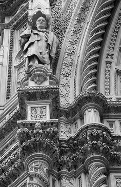 Particolari della Basilica di Santa Maria del Fiore, il Duomo di Firenze - Arnolfo di Cambio - 1296-1436 - Cupola di Filippo Brunelleschi -facciata in marmi policromi - 1887 - Emilio de Fabris