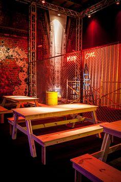 Pub Design, Coffee Shop Design, Outdoor Restaurant, Cafe Restaurant, Container Bar, Restaurant Interior Design, Beer Garden, Interior And Exterior, Lounge