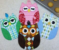 "Hot Who - this is a fun and easy PATTERN for fabulous Owl Hot Pads from Susie C Shore designs. ""Full sized pattern pieces to sew up darling Owl hot pads - sew quick, easy and functional"" Fun for anyone, and a great gift for any owl collector. Potholder Patterns, Owl Patterns, Quilt Patterns, Sewing Patterns, Apron Patterns, Dress Patterns, Fabric Crafts, Sewing Crafts, Sewing Projects"