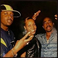 Tupac Shakur . love seeing pictures of Pac I haven't seen.. I'm sure there's a lot more out there but some people put a watermark right on Pac, instead of another place, smh and they didn't even take the picture #2pac #Tupac #TupacShakur #Makaveli #HipHop #O4L #Outlawz #ThugLife #Killuminati #TupacTuesday