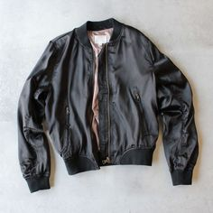 lightweight satin bomber jacket - black