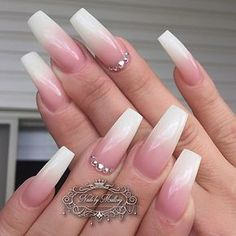 """175 Me gusta, 5 comentarios - #nailsbymallory #yeg (@miss_arseneau) en Instagram: """"Beautiful French fade! I'm holding a workshop this Sunday July 17th from 10am-12pm at Purple Beauty…"""""""
