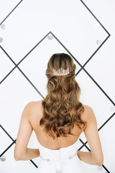 // Contemporary Bridal Accessories|a&bé bridal shop Crown Hairstyles, Bride Hairstyles, Hair Decorations, Hair Comb Wedding, Burgundy Wedding, Bridal Hair Accessories, Bridal Looks, Clear Quartz, Rose Quartz