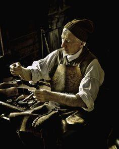 Gefertigt Nach 1945 Disciplined Viktorianisch English Cobblers,schuhe Macher Childs Arbeits Reparaturwerkzeug