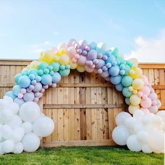 34 Creative Baby Shower Themes For Your Baby 2020 - Page 15 of 34 - coloredbikinis. Rainbow Theme Baby Shower, Rainbow First Birthday, 1st Birthday Party For Girls, Rainbow Baby, Baby Birthday, Deco Baby Shower, Baby Shower Signs, Baby Shower Themes, Shower Ideas