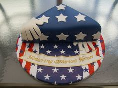 Memorial Flag Sculpted flag for Memorial Day. Fondant covered with fondant decorations. 4th Of July Cake, July 4th, Military Cake, Military Diet, Dad Cake, Cakes Plus, Fondant Decorations, Cake Central, Cute Cakes