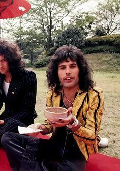 Queen Photos, Queen Pictures, Brian May, John Deacon, Freddie Mercury, Roger Taylor, Beautiful Lyrics, Queen Band, Killer Queen