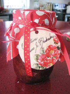 Confiture de fraises et rhubarbe #recettesduqc #fraises #confiture #rhubarbe