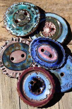 New Beads & Buttons July 2015 | por Lisa Peters Art