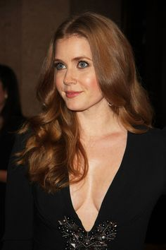 Amy Adams red, wavy hairstyle
