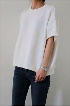 minimal wardrobe min