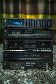 Old Technics Hifi - DIY - kadinolog Stereo Amplifier, Stereo Speakers, Technics Hifi, Mini System, Radios, Audio Room, Tape Recorder, Speaker Design, Hifi Audio