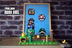 Il y a quelques temps, mon compagnon s'est amusé à faire un tableau Mario Bros avec des perles à repasser. Je vous mets les modèles utilisés dans cet article, le fond à télécharger ainsi que quelques idées sympas sur le thème du célèbre plombier moustachu.D'ailleurs ce tableau a été réal Mario Kart, Mario Bros, Ainsi, Diy, Cool Ideas, Bricolage, Do It Yourself, Homemade, Diys