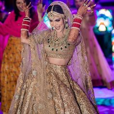 Wedding Inspo by GetYourVenue on Dazzling in Golden Lehenga ❤ This golden bridal lehenga is all you need for the unconventional and glamorous look on your wedding! Golden Bridal Lehenga, Wedding Lehnga, Muslim Wedding Dresses, Indian Bridal Lehenga, Punjabi Wedding, Bollywood Wedding, Bollywood Style, Wedding Gowns, Indian Bridal Outfits