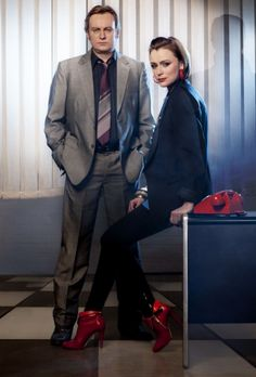 Gene Hunt & Alex Drake - Keeley Hawes & Philip Glenister - Ashes to Ashes Great Tv Shows, New Shows, Detective, John Simm, Ya Novels, Film Studies, Life On Mars, Television Program, English Actresses