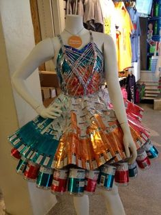 Particularly those bottom cans would be cool for ootm Paper Fashion, 3d Fashion, Weird Fashion, Fashion Dresses, Fashion Show, Fashion Design, Fashion Models, Vintage Fashion, Recycled Costumes
