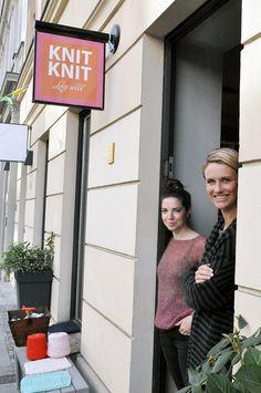 """""""Das Besondere geht verloren, wenn man einfach alles anbietet"""" sagen die beiden Inhaber von KNIT KNIT :: Love wool aus Berlin. Und deshalb ist bei ihnen auch alles besonders schön, finden wir. Wir haben sie gefragt, warum das so ist. #wolle #diy #strickenlernen #berlin"""
