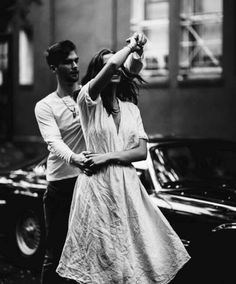 Beautiful black and white couple photography Love Couple, Couple Shoot, Couple Goals, Black And White Couples, Black White, Nail Black, White Nails, Jolie Photo, Couple Pictures