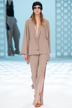 Chalayan Spring 2015 Ready-to-Wear - Collection - Gallery - Look 1 - Style.com