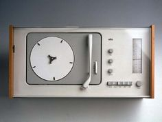 Dieter Rams Design SK4/SK5ラジオ・レコードプレーヤー(白雪姫の柩) 1956/58年 ブラウン社 Photo: BRAUN GmbH 」