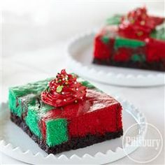 Swirled Holiday Brownie Cake from Pillsbury® Baking is a festive way to bring together two of our favorite desserts! Easy Christmas Treats, Christmas Deserts, Christmas Dishes, Holiday Treats, Christmas Baking, Holiday Recipes, Christmas Time, Christmas Foods, White Christmas