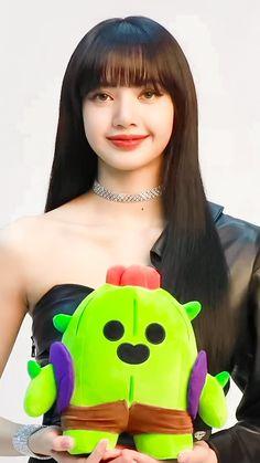 Jennie Lisa, Blackpink Lisa, Yg Entertainment, South Korean Girls, Korean Girl Groups, Lisa Blackpink Wallpaper, Black Pink Kpop, Barbie, Black And White Aesthetic