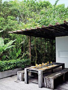 Mesa de Almoço de Madeira em Área Externa