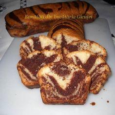 Nici nu zici că nu are lapte şi Cake Recipes, Vegan Recipes, Cooking Recipes, Homemade Sweets, Romanian Food, Yummy Food, Tasty, Pastry Cake, Food Cakes