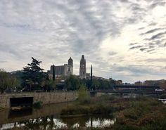 Running. #Girona #Autumn