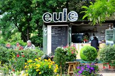 Das Café Eule im Gleisdreieck in Berlin Schöneberg #Cafe #Berlin #Schoeneberg >> Cafe Eule I Westpark am Gleisdreieck  