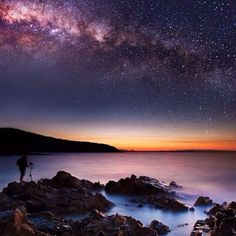Milky Way Rising Over Noosa National Park, QLD Australia yesterday Image Credit : Midnight Photography Beautiful World, Beautiful Places, Beautiful Pictures, Beautiful Sky, Foto Nature, Ciel Nocturne, Photos Voyages, Milky Way, Oh The Places You'll Go