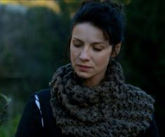 Love this cowl Outlander Clothing, Outlander Knitting, Outlander Costumes, Knitting Designs, Knitting Projects, Knitting Patterns, Knitting Ideas, The Originals Tv, Knit Cowl