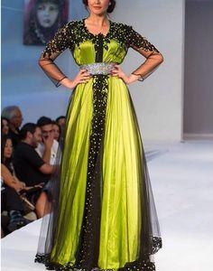 Caftan vert broderies noires Caftan Dress, Dress Skirt, Dress Up, Muslim Fashion, Hijab Fashion, Kaftan Designs, New Years Dress, Moroccan Caftan, Oriental Fashion