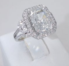 5.04CT G COLOR RADIANT CUT DIAMOND MATCHING 0.70CT PAVE HALO 18K ENGAGEMENT RING $155,000.00 New