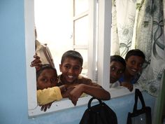 Eager to get a view! Lots of happy faces at Venture Organic Tea Estate, Sri Lanka.
